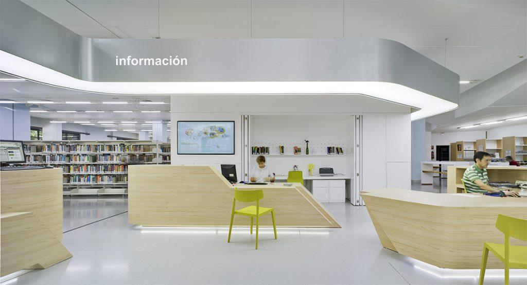 Nueva area de información de la biblioteca de Murcia.